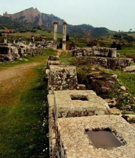antik mezar kaya mezarları lahit kral mezarı