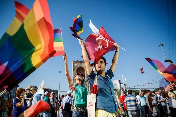 türkiye eşcinsel olmak nefret suçları lgbti gay lezbiyen biseksüel travesti trans