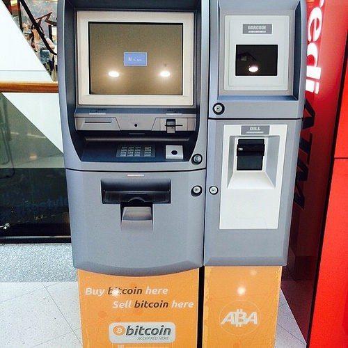 Bitcoin Kriptografik teknolojiyle üretilen para birimi