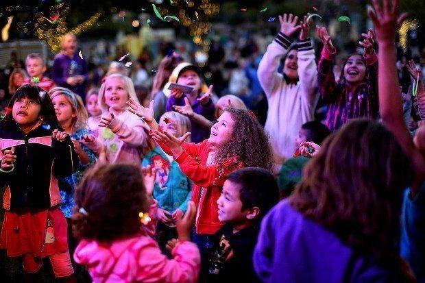 yılbaşı kutlamaları siyaset çocuk okullar milli eğitim