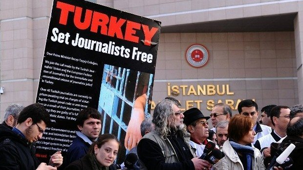 tutuklu gazeteciler çalışan gazeteciler günü