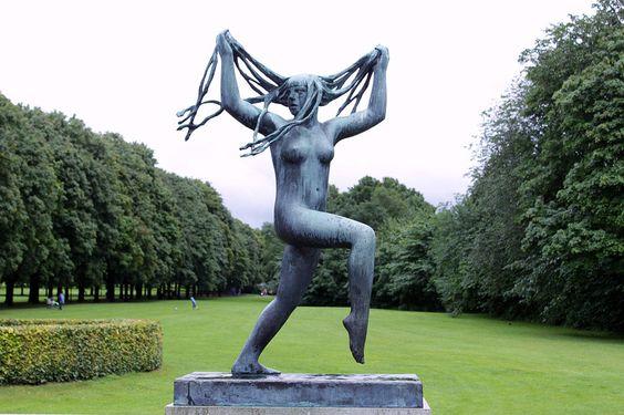 oslo frogner parkı vigeland heykel sergisi açık hava müzesi kadın çıplaklık erkek
