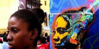 Graffiti'ye yeni bir tarz getiren Stinkfish, tanımadığı insanların fotoğraflarını çekerek insan portrelerini sanat eserlerine dönüştürüyor.