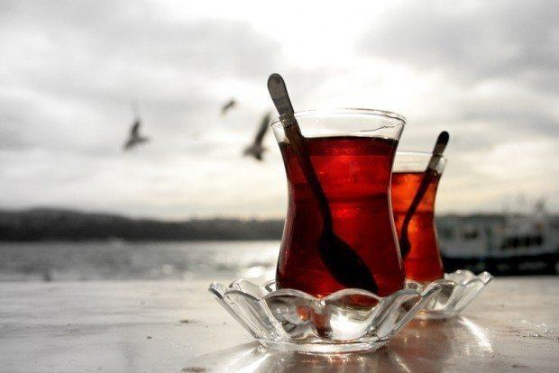 12 maddede siyah çay ve faydaları