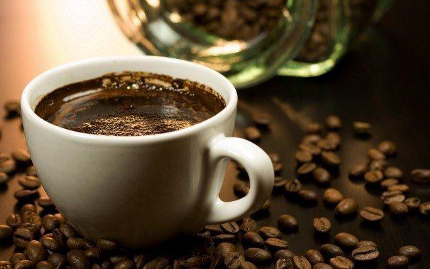 aşırı kafein kahve tüketimi kaygıyı tetikliyor