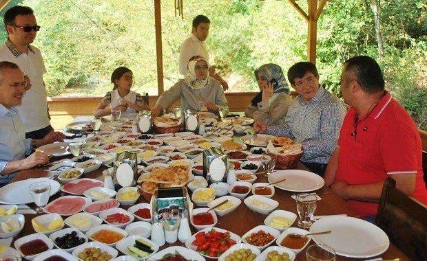 Başbakan Ahmet Davutoğlu'nun kahvaltı sofrası…