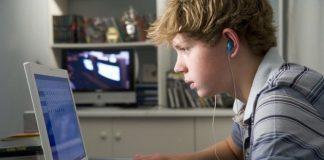 Çocukluklarda doğru oturuş neden önemli?
