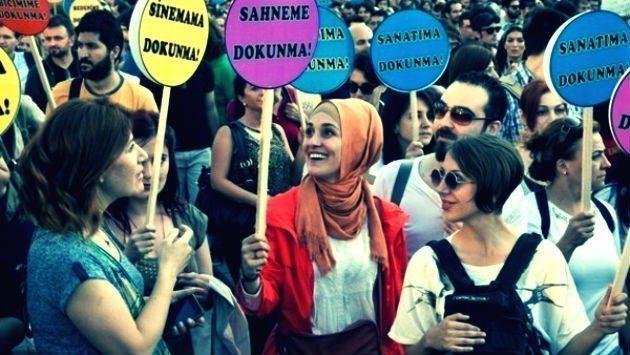 Kadın hakları için Meclis'e 1,5 milyon imza medeni kanun yeni anayasa