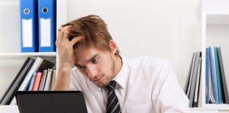 Ofis ortamı boyun ve bel fıtığı riskini artırıyor