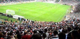 Profesyonel Futbol Disiplin Kurulu (PFDK) tarafından kötü ve çirkin tezahürat nedeniyle futbol kulüplerine verilen tribün kapatma cezası yargıya taşınıyor.