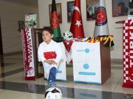 Messi Murtaza'ya Türkiye'den Barış Topu Hediyesi