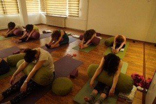 yoganın felsefesi-bir-video-ile-baslayan-yoga-meraki