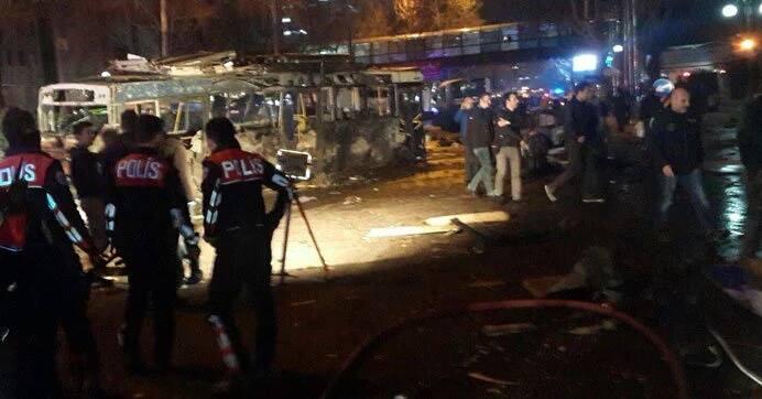 13 mart Ankara patlaması Ülke gerçekten nasıl yönetiliyor, kim tarafından yönetiliyor? Hükümetin bu olaylardan sonra yaptığı tek bir şey var! Yayın yasağı…