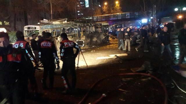 Ankara terör saldırısında son durumu Sağlık Bakanı Mehmet Müezzinoğlu açıkladı. 37 kişi hayatını kaybetti, 71 yaralı tedavi altında.