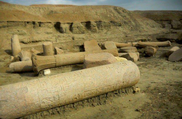atlantis mu uygarlığı mısır tapınakları sais kral mezarları