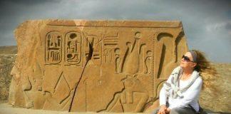 Sais Tapınağı. Burası Atlantis'in battığı, Mısır'ın başladığı yer. Bize bırakılan sırları keşfettik mi? Nerelerden gelip nerelere gidiyoruz?