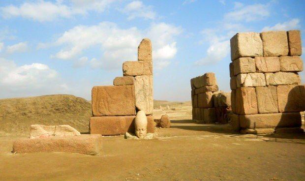 mısır gezisi sais tapınağı tapınaklar