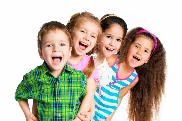 Çocuğunuz sınır koymayı, istemediği davranışlara itiraz etmeyi hayır diyerek öğrenir. Size hayır diyen çocuğunuza ısrar etmeyin!..