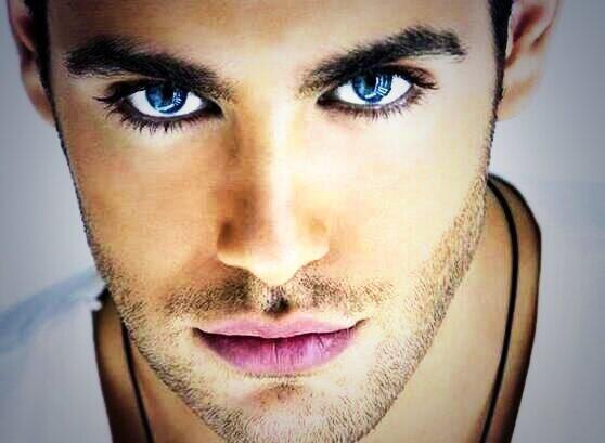 Mavi gözlü erkekler daha erken yaşlanıyor