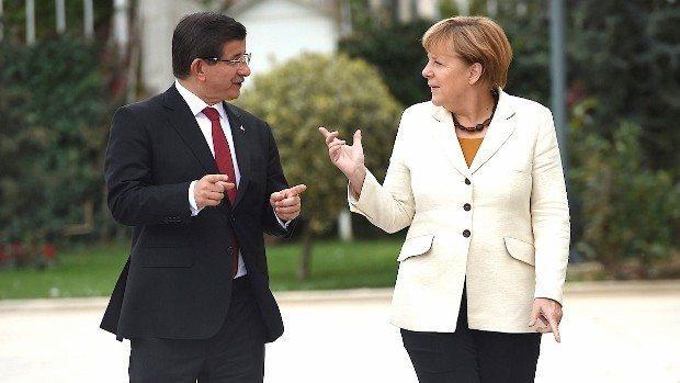 Bademlerin işi pazarlık ya, şimdi de AB ile pazarlık yaptılar. Geri kabul anlaşmasıyla Avrupa'daki Suriyeli göçmenleri Türkiye geri alacak.