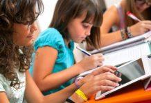 Yeni neslin ruh sağlığı önceliklerine vurgu yapan Okul Ruh Sağlığı Sempozyumu bu yıl çocukların teknoloji kullanımı konusuna odaklanıyor.