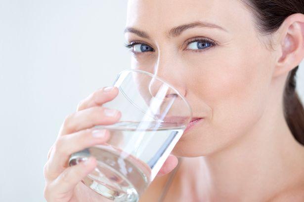 Cilt kırışıklıklarından kurtulmak için yeterli su tüketin!