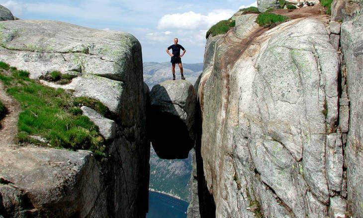Kjeragbolten norveç
