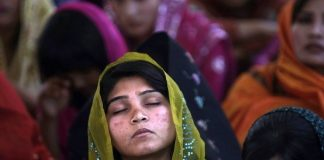 Zen - A Woman: Zaman asla ölmez çember yuvarlak değildir