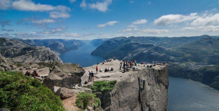 Preikestolen norveç