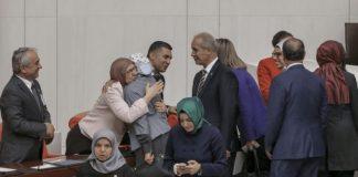 Ensar Vakfı soruşturmasının reddi ve Bakan'a tebrik kuyruğu