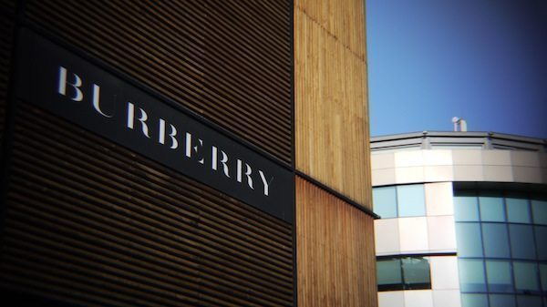 Bağdat Caddesi Burberry mağazası dükkanlar mağazalar alışveriş