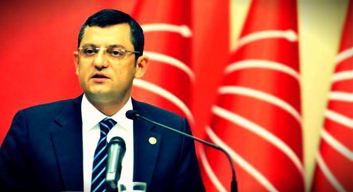"""TBMM'nin kuruluşu dolayısıyla düzenlenen 23 Nisan resepsiyonu 2016 yılı için iptal edilmişti. CHP alternatif resepsiyon düzenleme kararı aldı. CHP Grup Başkanvekili Özgür Özel, 23 Nisan'da CHP Genel Başkanı Kılıçdaroğlu'nun Meclis'te grup toplantısı düzenleyeceğini söyledi; """"Genel Başkanımız çocuklarla ve Türkiye'nin farklı kesimlerinden insanlarla bir araya gelecek"""" dedi."""