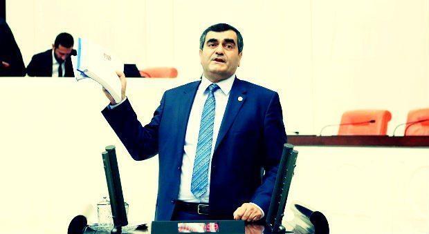 """CHP Efkan Ala hakkında """"istifa etmeniz için kaç katliam daha olması gerekir"""" diyerek gensoru önergesi verdi."""