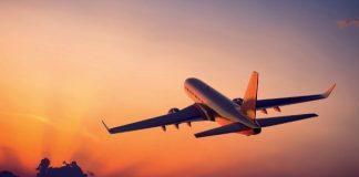 Uzun saatler süren uçak yolculuğundan kaynaklanan Jet Lag olarak tanımlanan geçici uyku bozukluğunu, basit önlemlerle alt etmek mümkün.