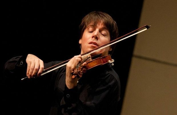 30. Uluslararası İzmir Festivali'nin açılışına dünyanın en ünlü keman virtüözleri arasında olan Joshua Bell katılacak.