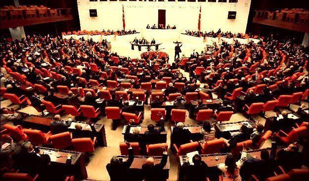 Ak Parti'den Partili Cumhurbaşkanlığı için teklif