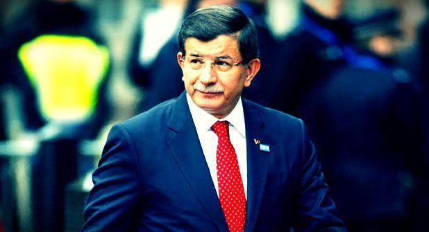 Başbakan Davutoğlu Ak Parti'den kovulmuş