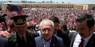 CHP Anıtkabir'e yürüdü