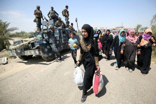Felluce'de 50 bin sivil, bin IŞİD militanı tarafından rehin ve canlı kalkan olarak kullanılıyor.