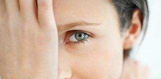 Glokom ve göz tansiyonu tedavisinde yeni uygulamalarla sinir hücrelerinin yaşlanmasını durdurarak kişinin kör olması önlenebiliyor.