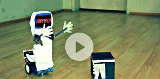 Hacı Robot ihram elbisesiyle maket Kabe'yi tavaf ediyor tübitak destekli bilim projesi
