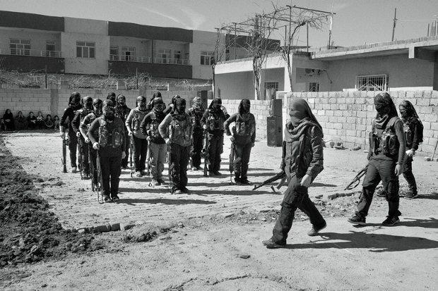New York Times, terör örgütü IŞİD'e karşı Kobani'de bir aydan fazla süredir savaşan PKK'lı keskin nişancının itiraflarına yer verdi.