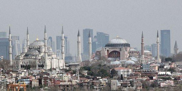 Ruhsuz vapurlar sardı İstanbul'u, bi Cisim yaklaşıyor Boğaz'a