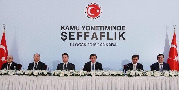 Başbakan Davutoğlu başkanlığındaki hükümetin üzerinde çalıştığı kamuda şeffaflık paketi de iki isim arasında en net görüş ayrılıklarının yansıdığı bir başlıktı.
