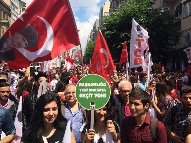 türkiye gençlik birliği 19 mayıs birinci vazifen yürüyüşü