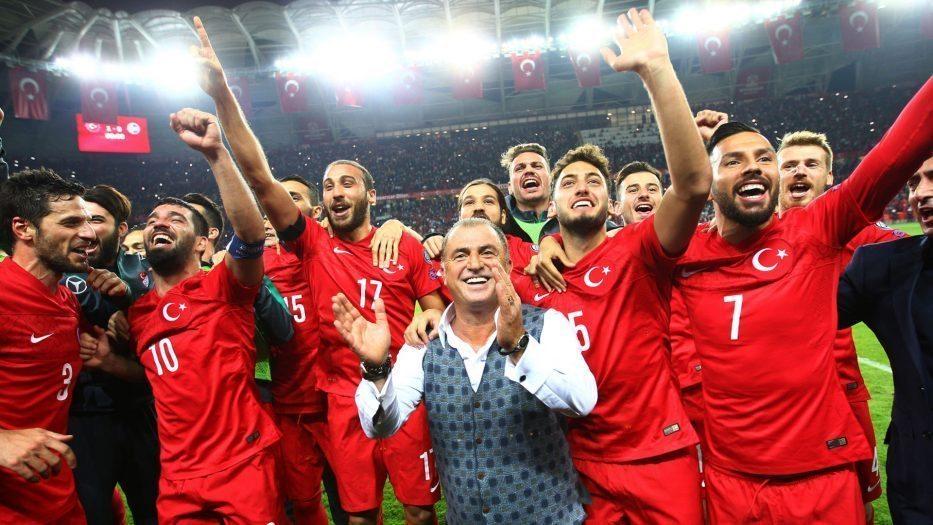 Türkiye'Biz, Bitti Demeden Bitmez' diyerek sahaya çıkıyor avrupa kupası fransa a milli futbol takımı