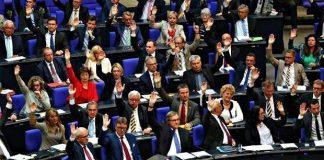 Almanya'da Ermeni soykırımı kabul edildi