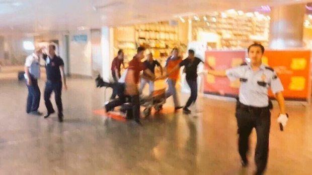 ataturk-havalimani-teror-saldirisi-canli-bomba-istanbul (4)