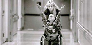 Cyndie French ve oğlu Derek: Bir annenin öyküsü