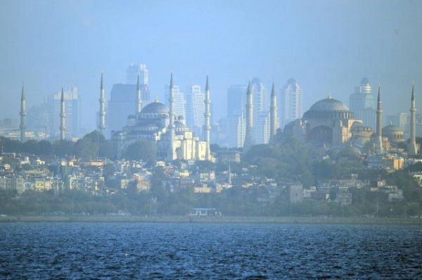 istanbul-siluet-gokdelen
